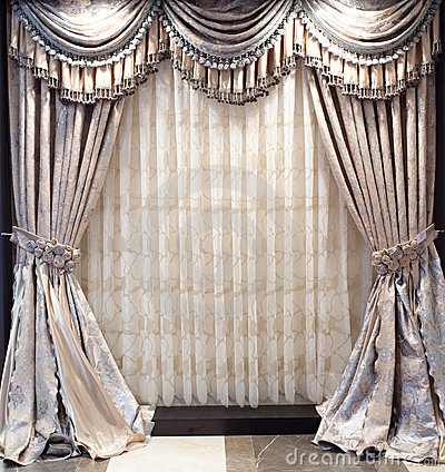 Free Luxurious Window Curtains Stock Photography - 13038542
