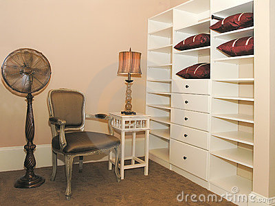 Luxury 3 - Walk-in Closet 1