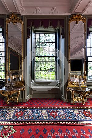 Free Luxury And Royal Windows View Stock Images - 158098204