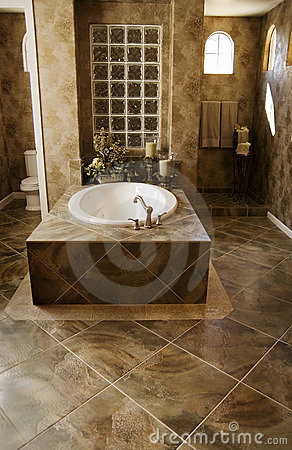 Free Luxury Bathroom Royalty Free Stock Photo - 1976765