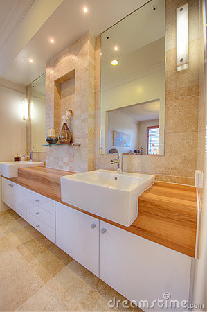 Free Luxury Bathroom In Modern Home Stock Images - 15471824