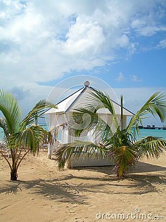 Luxury beach hut corn island nicaragua