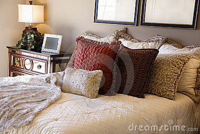 Royalty Free Stock Photos: Luxury Bedroom Interior Desi