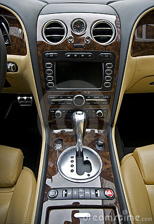 Free Luxury Car Interior Stock Photo - 18339760