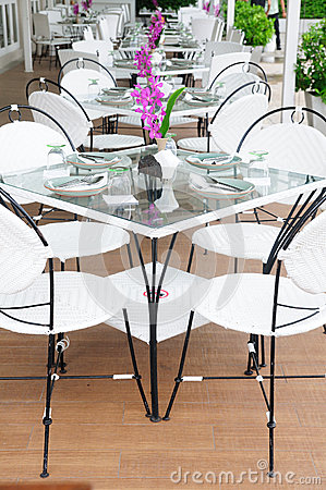 Free Luxury Dinner Tables Sets Outside Restaurants, Thailand. Royalty Free Stock Images - 33977529