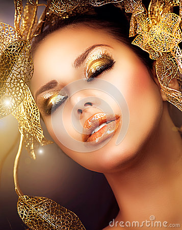 Luxury Golden Makeup