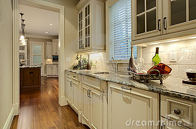 Luxury Home Butler s Pantry
