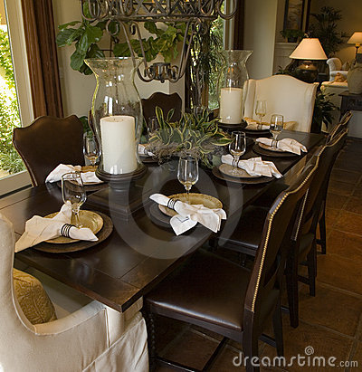 Free Luxury Home Dining Room. Stock Images - 5106654