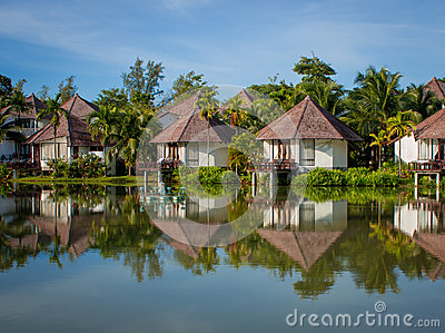 Luxury villa in tropical surroundings by the water
