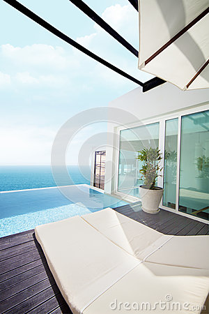 Free Luxury Villa With Ocean View Stock Photography - 26578762