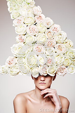 Free Luxury Woman With A Rose Hat In Fashion Model Pose Stock Photos - 14540823
