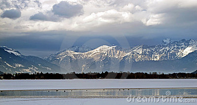 Luz del sol en las montañas