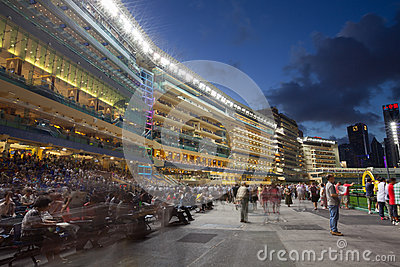 Lycklig dalRacecourse i Hong Kong Redaktionell Foto