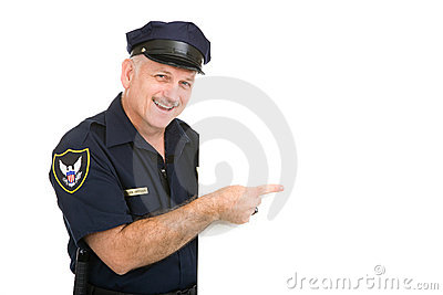 Lycklig pekande polis