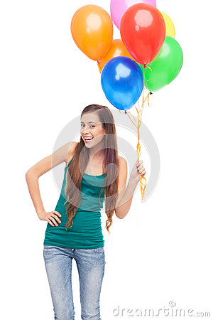 Lyckliga kvinnaholdingballonger