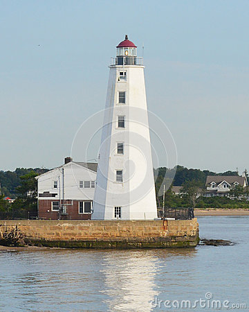 Free Lynde Point Lighthouse Royalty Free Stock Image - 43950746