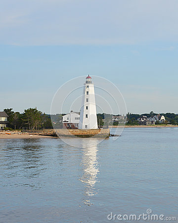 Free Lynde Point Lighthouse Royalty Free Stock Image - 43950776