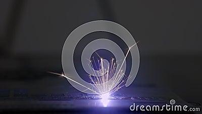 Máquina para a gravura do laser Equipamento especial para cortar em materiais duros Sistema da automatização e da precisão Laser  video estoque