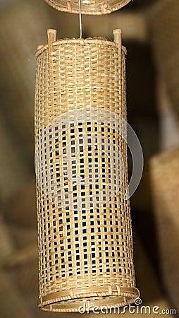 Máscara de lâmpada de bambu