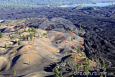 Målade dyn i Lassen den vulkaniska nationalparken
