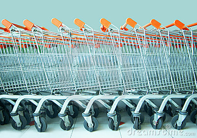 Många shoppingtrolley
