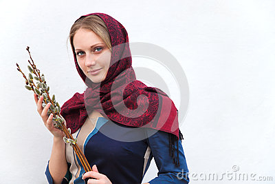 Dziewczyna z kici wierzbą.