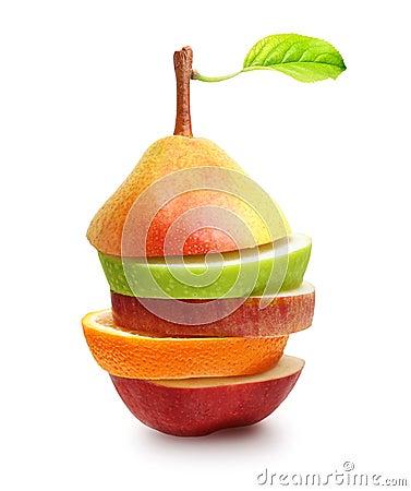 Maçãs, fruto alaranjado e fatias da pera