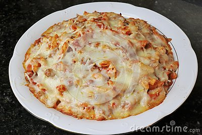 Macaroni with tomato meat and cheese