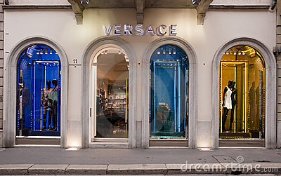 MADE IN ITALY: Versace Boutique, Montenapoleone Editorial Photo