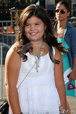 Madison De La Garza arriving at the 2011 VH1 Do Something Awards Editorial Photo