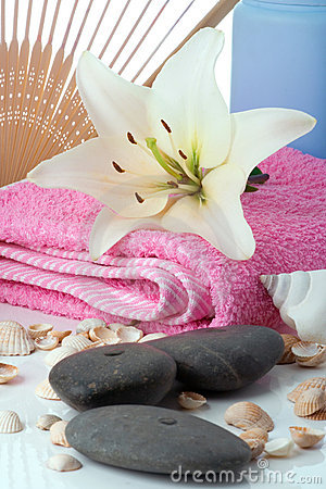 Madonna lily spa stones fun