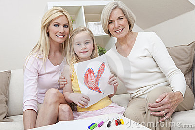 Madre, figlia, generazioni della nonna nel paese
