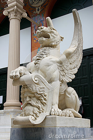 Madrid Wing lion