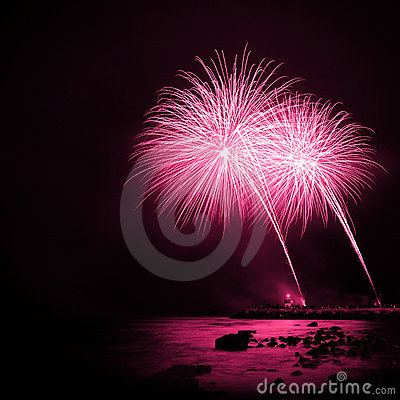 Free Magenta Fireworks Royalty Free Stock Images - 17416239