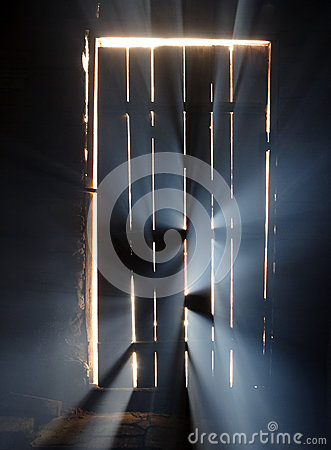 Free Magic Light Behind The Door Royalty Free Stock Photo - 47967915