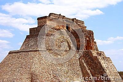 Magician pyramid II