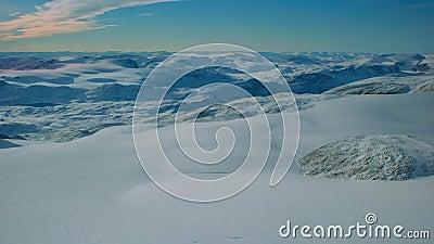Magnífico paisaje ártico profundo congelado suelo majestuoso antártida helada nieve de tierra verde paisaje interminable metrajes