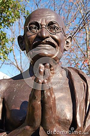 Free Mahatma Gandhi Statue Royalty Free Stock Photography - 3589347