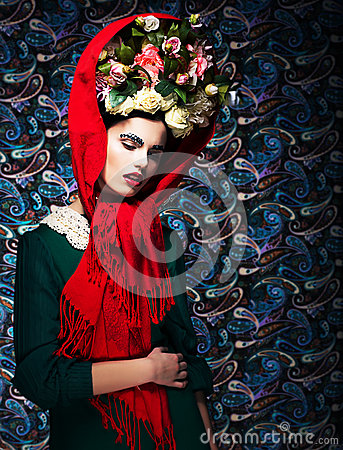 Free Maiden. Tenderness. Dreamy Fascinating Woman With Flowers. Renaissance Royalty Free Stock Photos - 29624168
