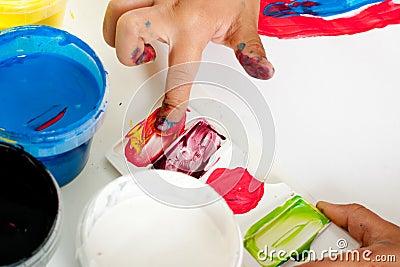 4 filles doigt peinture vidéo réelle
