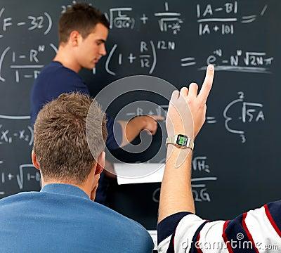 Main de réponse je sais l attente augmentée d étudiants