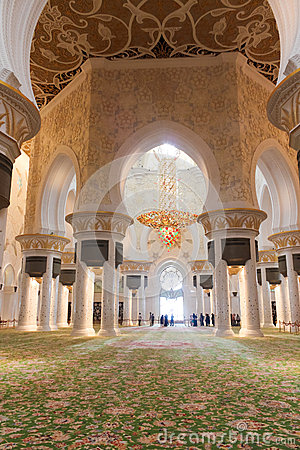 Main hall inside Sheikh Zayed Grand Mosque