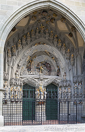 Free Main Portal Of Bern Cathedral Stock Photos - 42890223