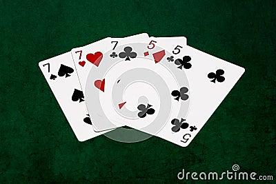 Un poker de maison