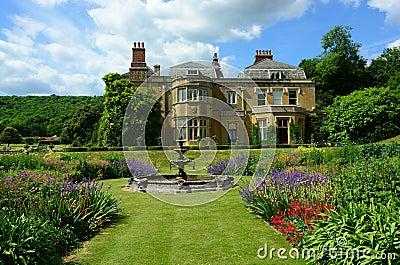 Maison de campagne anglaise photo stock image 42294114 for Case di cottage inglesi