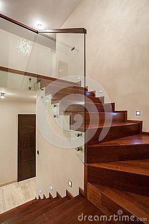 maison de travertin escalier photographie stock image 28264112. Black Bedroom Furniture Sets. Home Design Ideas