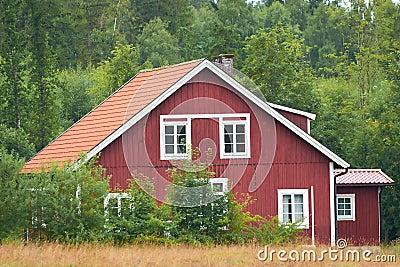 maison en bois su doise rouge photo stock image 39132932. Black Bedroom Furniture Sets. Home Design Ideas