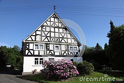 Maison traditionnelle en allemagne photographie stock for Maison traditionnelle nord