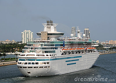 Majestade dos mares por Cruiselines do Cararibe real Imagem de Stock Editorial
