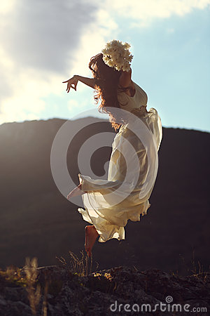 Free Majestic Woman Flying In Sunset Light Royalty Free Stock Photography - 36505367